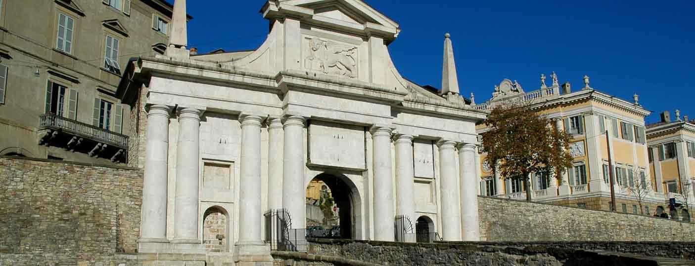 http://www.itinerari.bergamo.it/wp-content/uploads/2016/02/MONUMENTI-BERGAMO.jpg