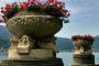 Vasi fioriti Villa Giuseppe Faccanoni a Sarnico