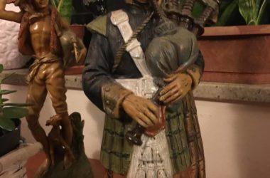 Immagini Le statuine dei suonatori - Scanzorosciate
