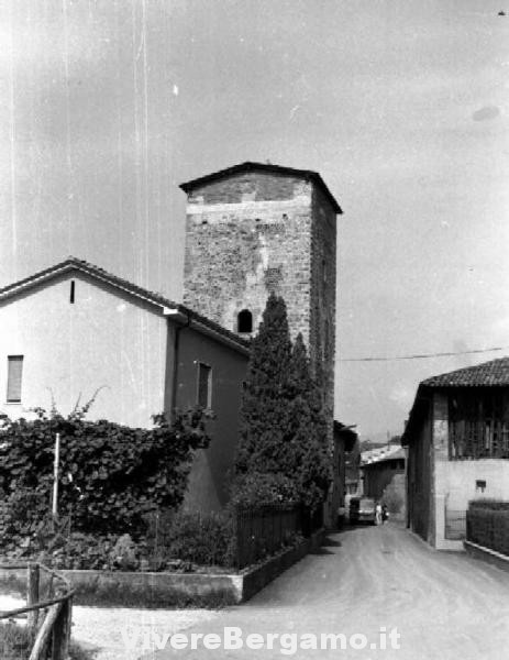 Torre di castegnate terno d 39 isola itinerari bergamo for Piani di progettazione architettonica