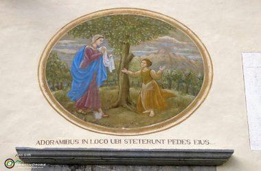 Affresco sulla facciata della chiesa Oneta