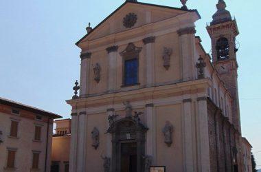 Almenno San Salvatore Bergamo Parrocchia statua San Salvatore