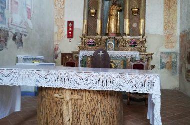 Altare La chiesetta di Ascensione - Costa Serina