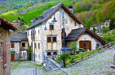 Case del 1400 Arnosto, Fuipiano Valle Imagna - Bergamo