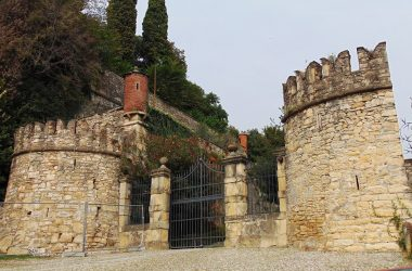 Castello di Costa di Mezzate -Camozzi-Vertova