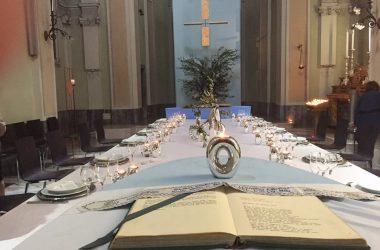 Chiesina di Paderno , la tavola e pronta per l'ultima cena