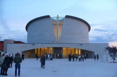 Esterno Chiesa Santa Famiglia di Nazareth - Grassobbio