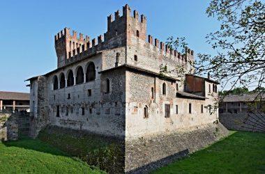 Fosso Castello di Malpaga Cavernago