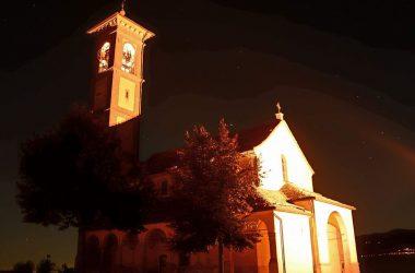 Fuipiano Valle Imagna La Chiesa di sera