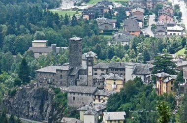 Il borgo di Gromo con castello Ginami