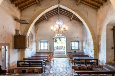 Interno Chiesa di San Giorgio in Campis Zandobbio