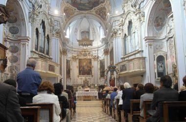 Interno chiesa Gandosso