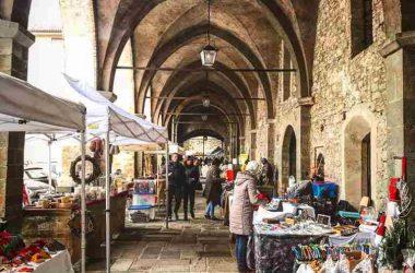 Mercatino Piazza Cittadella in città alta - Bergamo