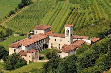 Monastero di Astino visto dal castello di San Vigilio