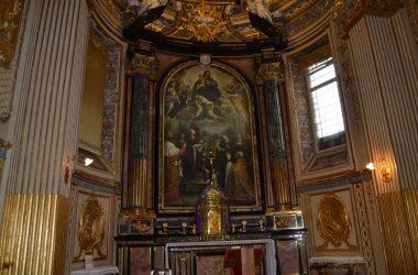 Pala d'Altare, con Santa Grata che tiene tra le mani la testa mozzata di S. Alessandro Bergamo