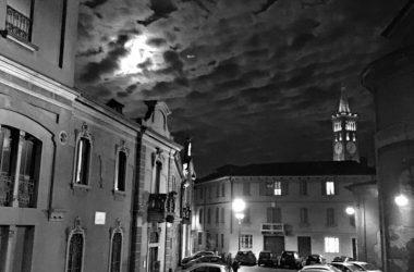 Piazza del Santuario con veduta campanile Basilica San Martino di Treviglio