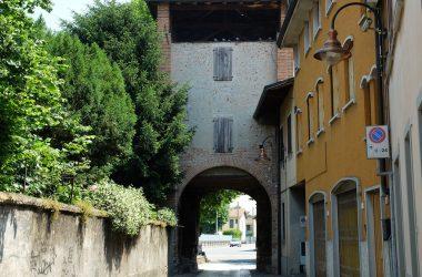 Porta Gnano Castello Rocca - Cologno al Serio