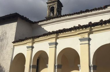 Porticato della Chiesa Trinità - Clusone