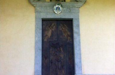 Portone Chiesa di San Giovanni Battista - Fuipiano Valle Imagna