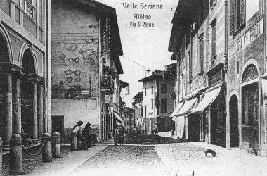 Sagrato della chiesa di Sant'Anna nel primo Novecento Albino