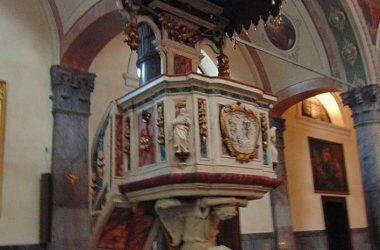 Santuario della Madonna delle Grazie (Ardesio) Bergamo Nella chiesa, notevoli anche il pulpito, opera del Fantoni