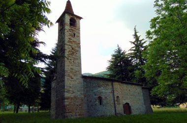 Spinone al lago Chiesa San Pietro