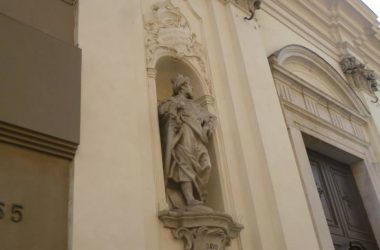 Statua del re biblico DAVID sulla chiesa della Madonna dello Spasimo - Bergamo
