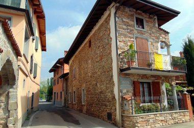 Terno d'Isola -Bergamo -Nei locali al piano terra di Cascina Tezzone