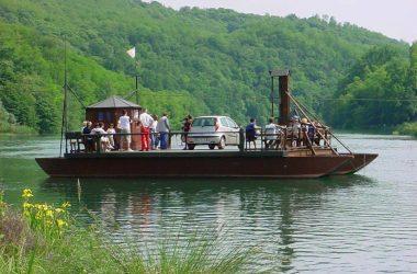 Traghetto di Leonardo da Vinci sul fiume Adda, tra Villa dAdda (Bg) e Imbersago (Lc).